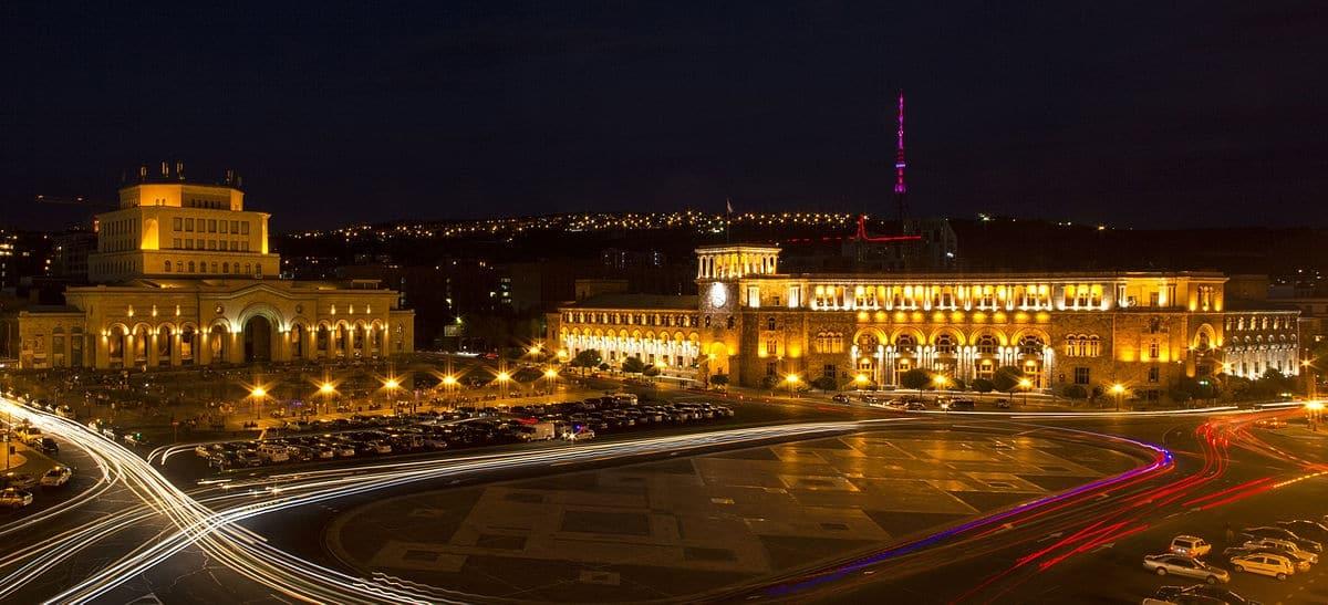 Куда сходить туристу в Ереване?